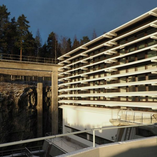 Lieksankosken voimalaoitos, suunnittelija Alvar Aalto
