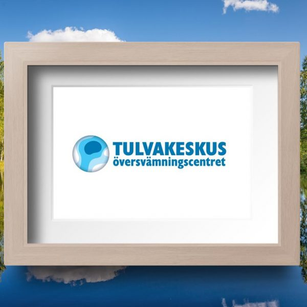 Tulvakeskuksen logo. Tulvakeskus ennustaa ja varoittaa tulvista.