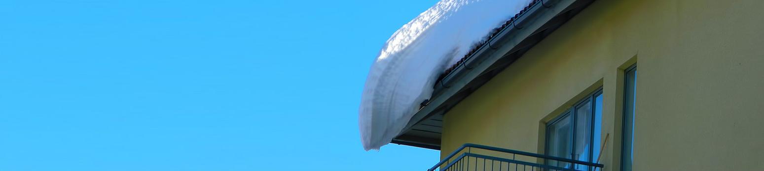milloin lunta pitäisi pudottaa katolta, kuvituskuva